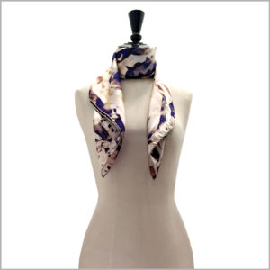 maannequin with big printed silk twill scarf
