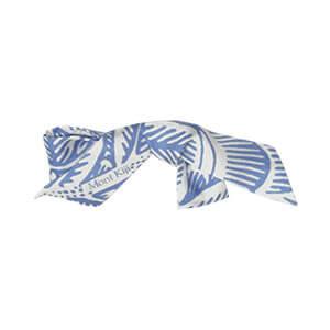 blue and white leaf printed silk broach